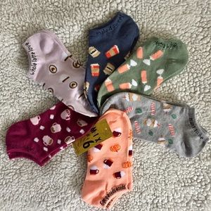 6 pairs of Fall drink themed socks.